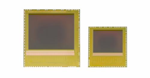 英飛凌新款REAL3 3D 影像感測器晶片系列(左:IRS1125C, 右: IRS16x5C) 以裸晶方式供應,提供最高的設計彈性,同時降低系統成本。